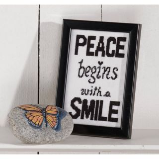 Borduurpakket Peace begins with a smile - Permin